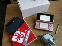 Nintendo 3DS + Nintendogs and 4GB flashcard