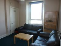 DALRY ROAD - Great Four Bed Flat Available for the Edinburgh Festival