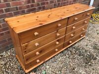 Large solid chunky pine chest of drawers. Dovetail Joints. Possible delivery