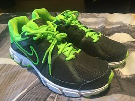 Nike Downshifter 5 trainers size 9 brand new
