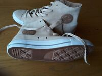 converse shoes beige suede size 7 Brand New