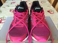 Women's Asics Gel Cumulus-18 running trainers in size 5 (RRP. £114)