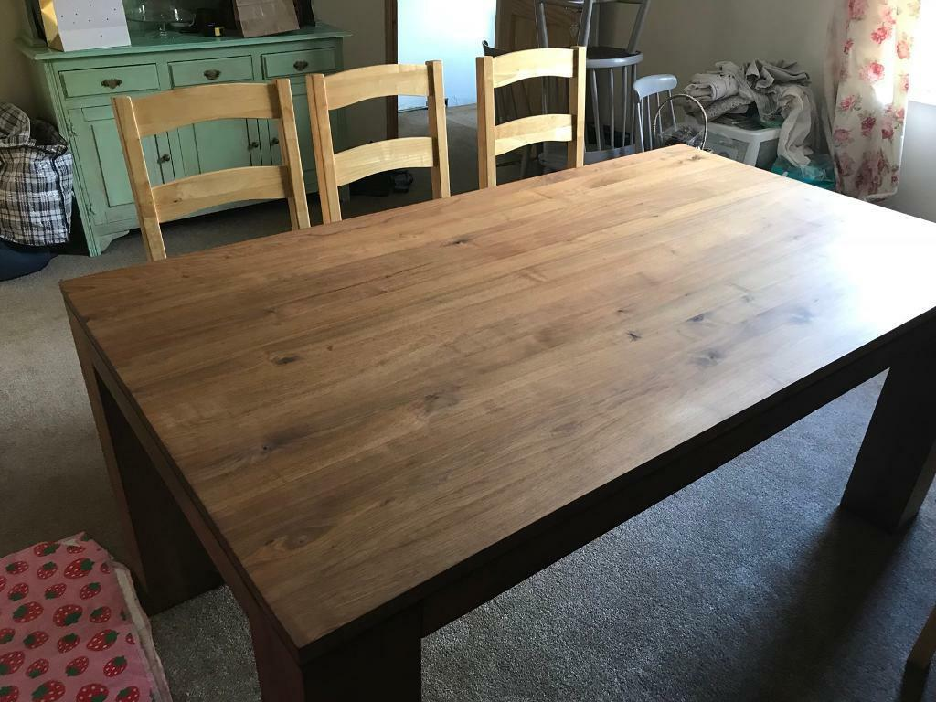 Large Chunky 8 Seat Barker Stonehouse Solid Walnut Dining Table Great Condition