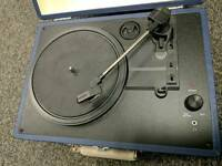 CROSLEY CR8005A-BL PORTABLE 3SPEED TURNTABLE
