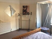 Weekday room for rent for professionals working in London
