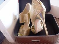 Jimmy Choo Heels and Bag Private Glitter Fabric Gold Shimmer Size 6 5.5 39