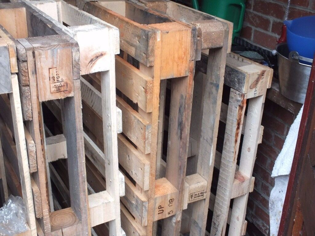 8 Wood Pallets - Firewood or Haulage Delivered within 5 Miles of NE40 - £20