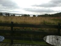 Static Caravan sleeps 6 in a lovely setting. Excellent condition, recently refurbished wit