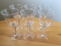 6 vintage matching small stemmed clear glasses. Excellent condition. £5 ovno