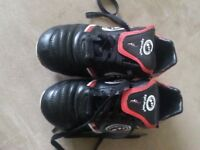 Rugby boots size 3 optimum