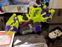 Scavanger and minicon in box with instructions