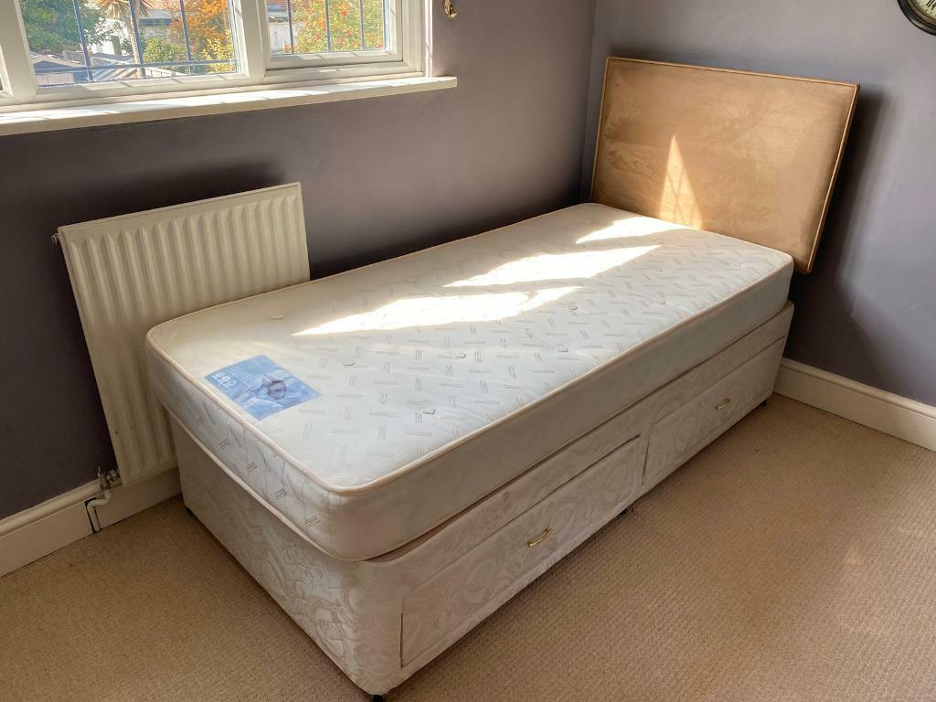 Picture of: Single Divan Bed With Drawers And Headboard In Hayling Island Hampshire Gumtree