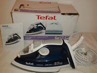 Tefal 4486 ultraglide easycord steam iron - as good as new