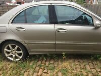 MERCEDES C200 2.2 CDI DIESEL 2005 BREAKING FOR PARTS SPARES AND REPAIRS