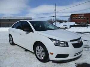 2014 Chevrolet Cruze only 15700 km automatic 2LS