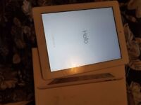 ipad 2 mint condition boxed