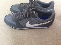 Nike Genicco print UK 7