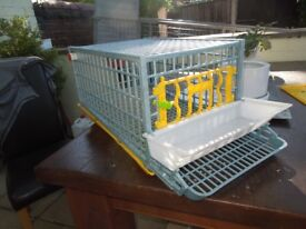 Poultry cage suitable for smaller birds