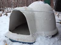 Petmate Dog Igloo - dog house