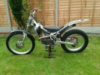 beta rev 3 270 trials bike