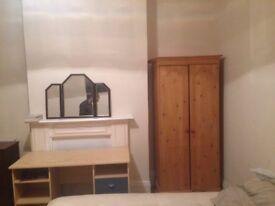 Large Double bed for rent on Fawcett road