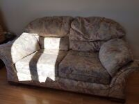 2 seater sofa and 2 matching armchairs for sale or free to a good home :-) lu49ah