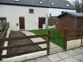 Recently Refurbished Terraced 3 Bedroom Barn Conversion in Quiet Rural Location Off Road Parking