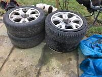4 L2000 Mitsubishi Alloy Wheels - Damaged