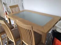 Dining set and 6 chairs GUC