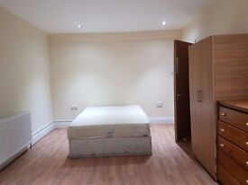 1 COOL DOUBLE ROOM IN NEWLY REFURBISHED HOUSE - NW2 7DL