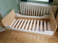 Mamas & Papas Manhattan cot bed