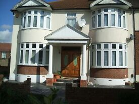 NICE 5/6 BED SEMI DETACHED HOUSE, 5 MINS WALK FROM UPNEY STATION,BARKING, IG11