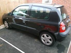 Breaking 2003 Renault Clio