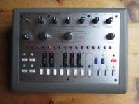 Adafruit X0Xb0X - xoxbox - TB303 Emulator - sequencer - mono synth - bass synthesizer