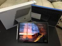 Microsoft Surface Pro 4 i7 16gb ram 256gb SSD