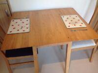 Double pine wardrobe, fridge freezer, kitchen table & chairs single oak wardrobe, mirrors,wool rugs