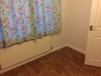 2 Bedroom Ground Floor Flat Close to Overground Station and Shops