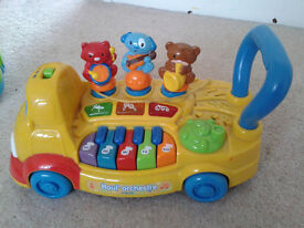 pull along toy with songs sung in French.