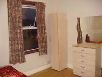A BIG DOUBLE BEDROOM AVAILABLE VERY VERY CLOSE TO EAST HAM STATION