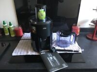 Braun J 700 Juicer. Type 4292 ONLY used twice.