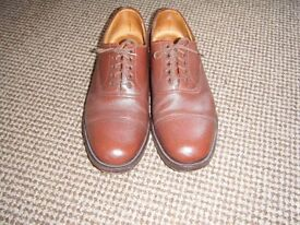 SANDERS OFFICERS SHOES SIZE 9