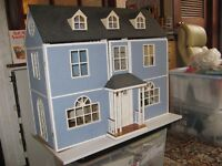 Dolls house suitable for child or adult