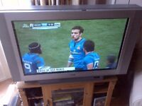 Large Sony TV in perfect working order, with remote control and digi box
