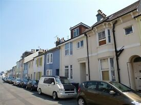 3 Bedroom Unfurnished Flat with Balcony to Rent near Shoreham Town Centre