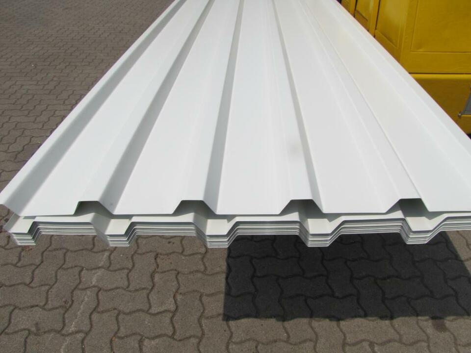 Trapezblech/Trapezprofil 35/207/0,75 6 m beid. Weiß zu verkaufen! in Hünxe