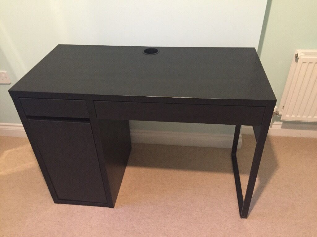 micke desk black brown from ikea in pontyclun rhondda. Black Bedroom Furniture Sets. Home Design Ideas