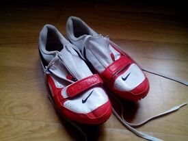 Nike womens size 5.5 throwing shoes spikes