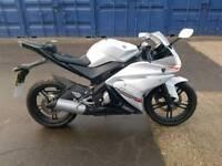Yamaha yzf r125 1 year mot
