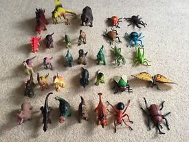 A bundle of dinosaurs and insects in excellent condition