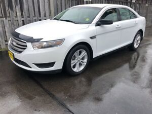 2015 Ford Taurus SE, Automatic, Back Up Camera,